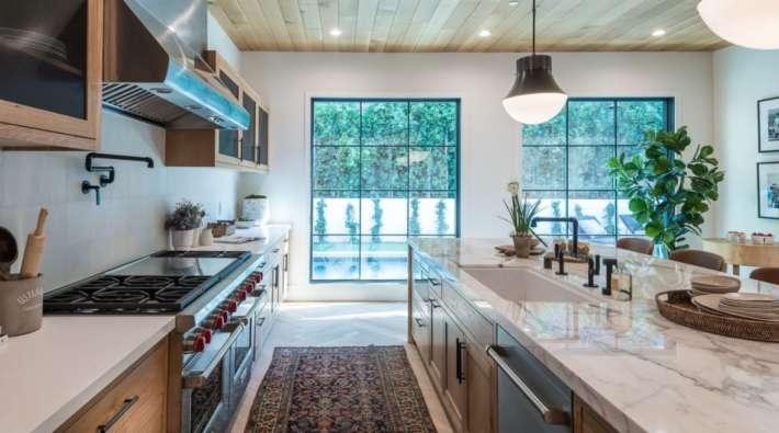 24 Instagram-Worthy Luxury Kitchen Design Ideas | Watermark ...