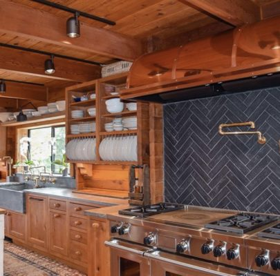 8 Incredible Kitchen Designs That Incorporate Wall Mounted Pot Fillers Image 8