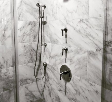 Thermostatic Shower Valve Buying Guide Pressure Balance vs Thermostatic Shower Valves 2