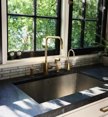 9 Faucets to Complete Your Farmhouse Look 8