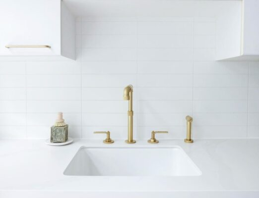 14 Beautiful Faucet Finishes to Consider For Your Space 9