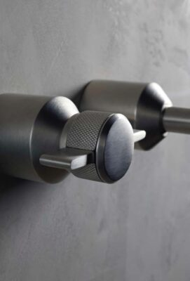 Our 7 Favorite Examples of Faucet Knurling 8