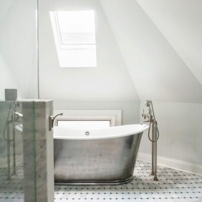 How to Choose the Right Faucet Design for Your Freestanding Clawfoot Tub 4