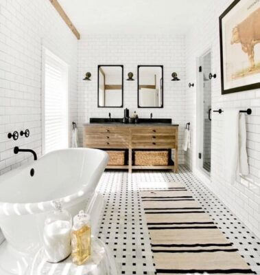 How to Choose the Right Faucet Design for Your Freestanding Clawfoot Tub 7